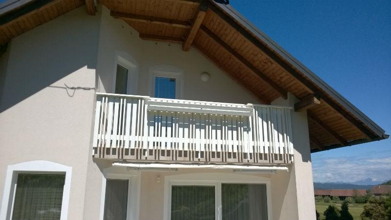 Bela PVC ograje za balkon in vrt