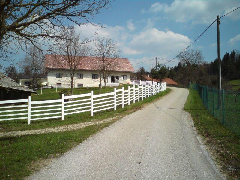 Vzdolžna ograja za konje